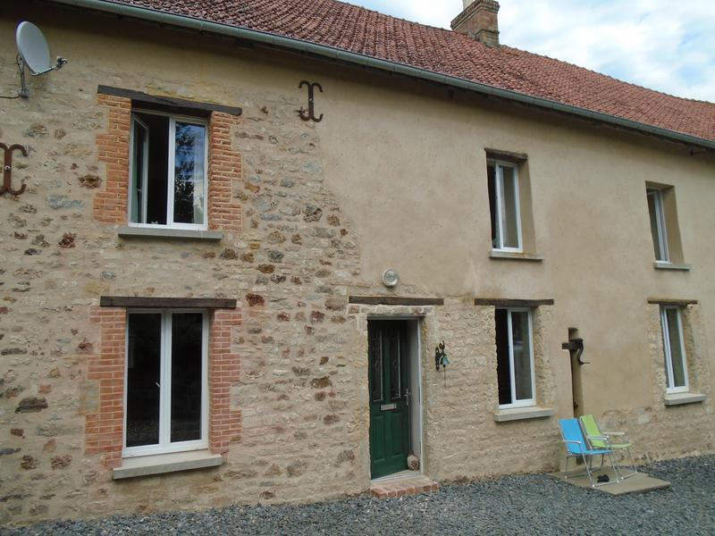 Maison à vendre en Basse Normandie – Manche  TRIBEHOU Maison rénovée avec trois chambres à Tribehou. Possibilité d'agrandir l'espace habitable. Terrain, accès rivière.  REF: 118483JTH50